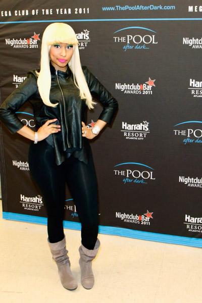 Nicki-Minaj-Atlantic-City-The-Pool